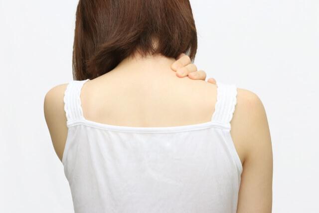 背中ニキビの改善方法や治療法は?
