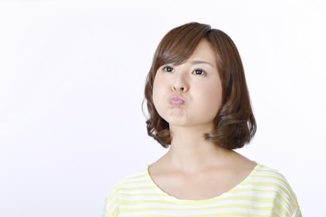 顔のむくみをとる解消法!原因と小顔になる予防法とは