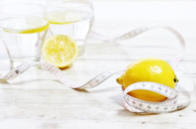 レモン水でダイエット!デトックス効果で簡単に痩せる方法