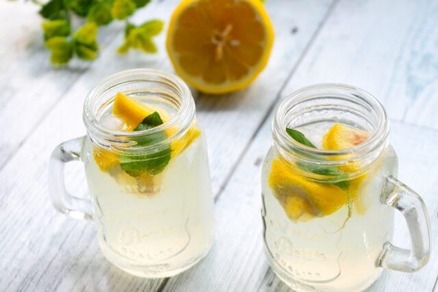 レモン水をいつ飲んだら良いのか?