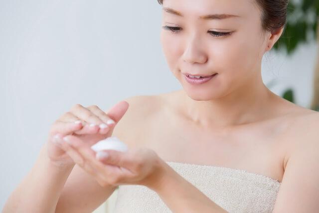 毛穴の黒ずみ解消法!効果的な洗顔方法や毛穴ケアとは
