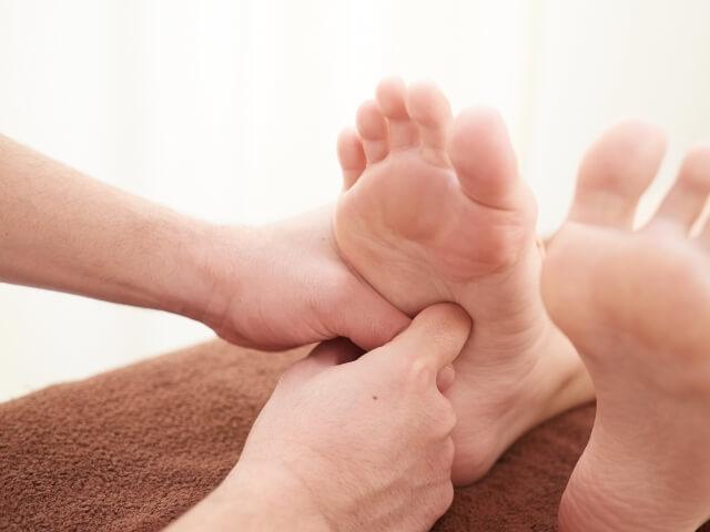 足のむくみを即効で解消する5つの対処法