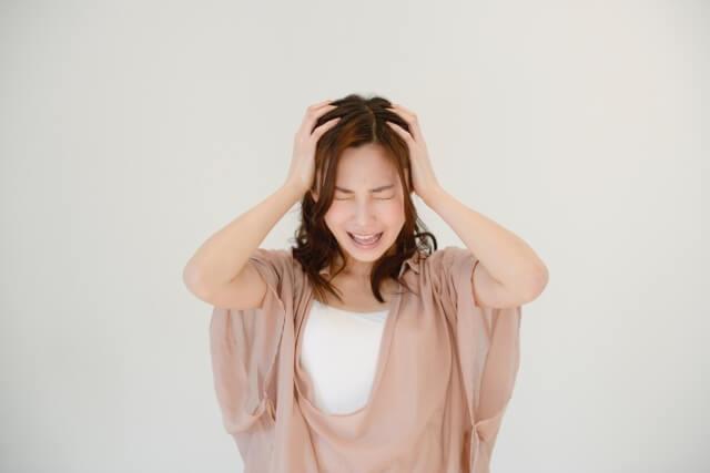 ストレスや自律神経の乱れが原因