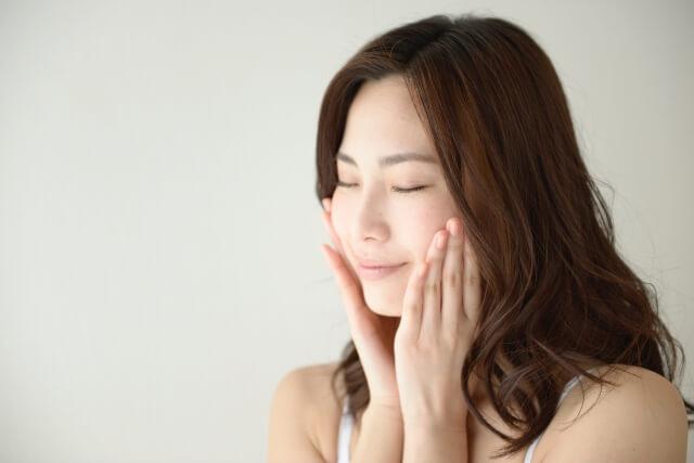 肌のハリを自宅で取り戻す簡単改善方法とは