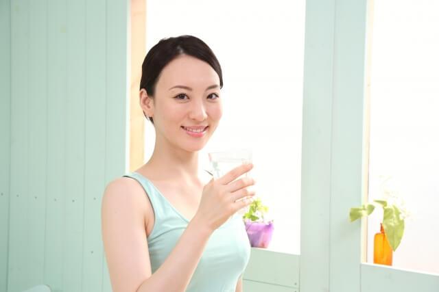 炭酸水を飲むことで得られる美容効果