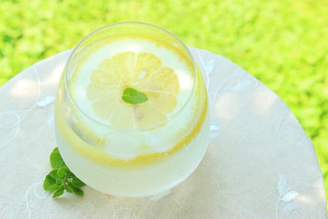 レモン水の効果的な飲み方