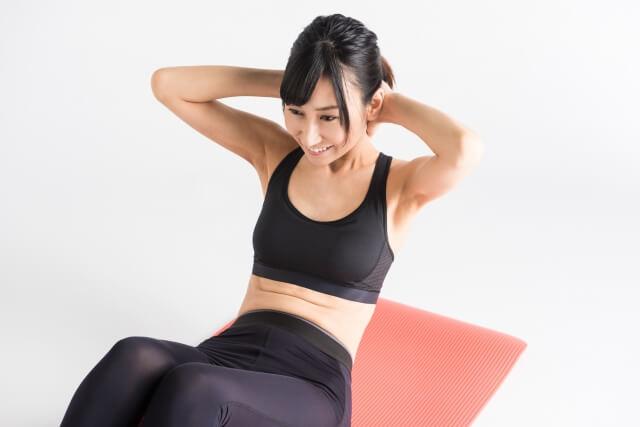 腹筋運動はぽっこりお腹に効果なし?