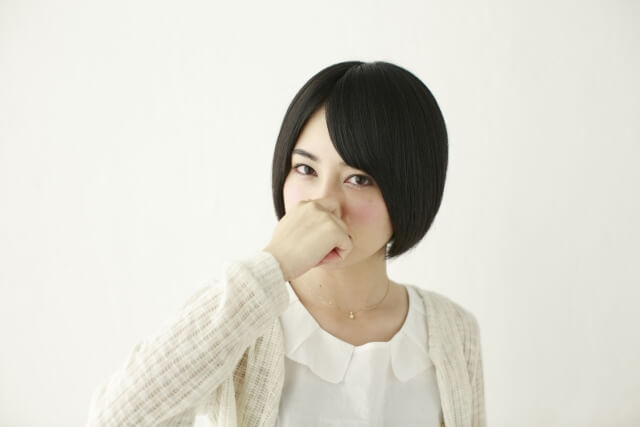女性の体臭の原因と体臭別の改善・予防方法とは