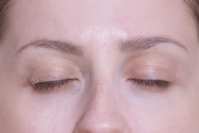 目の下のたるみを改善する唯一のエクササイズ