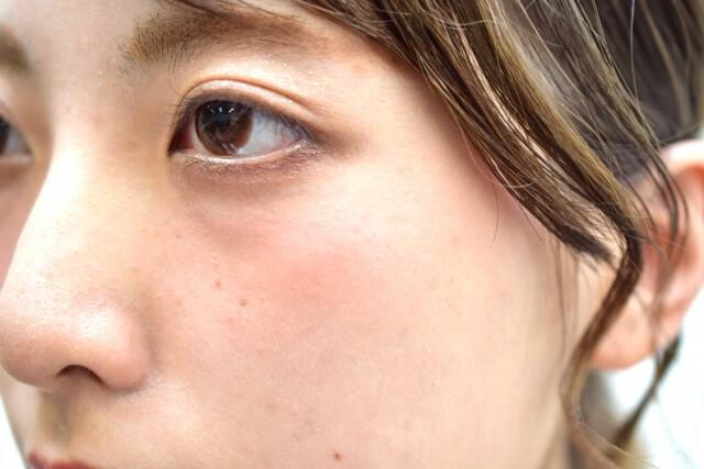 目元のくすみ改善法!原因や目元が若返る4つの解消法