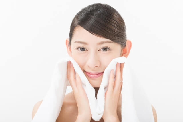 日焼けは冷やす!シミやそばかすから肌を守る4つのアフターケア法