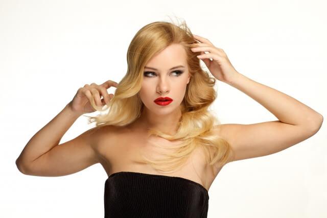 髪のうねりのタイプ別改善法