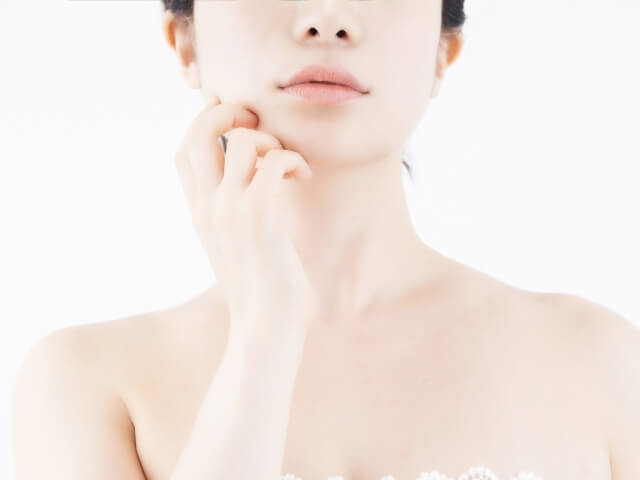 顎のたるみを改善し小顔美人になる8つの解消&予防法
