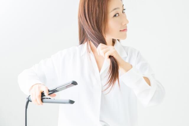美髪を守るストレートアイロンの使い方