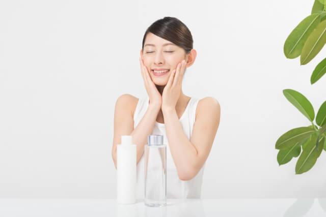化粧水の選び方と使い方!自分の肌質にピッタリの化粧水選びとは