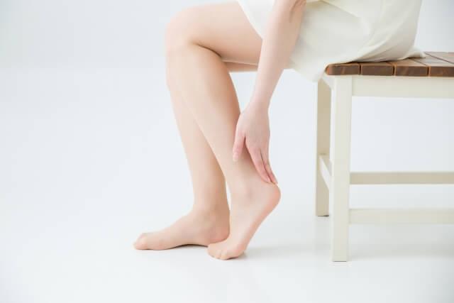 足のむくみ解消法!即効でひどいむくみを改善する5つの対処法