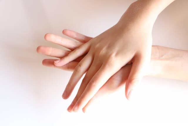 手の甲のシミの種類