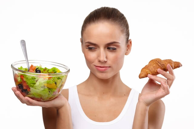 シミを消す食べ物18選!体内からケアし美肌を手に入れる方法
