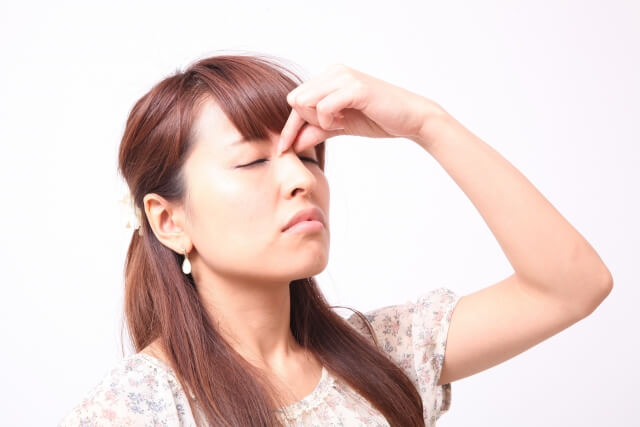 眉間のしわの7つの改善・予防法