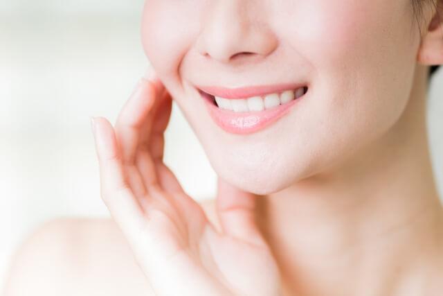 ひび割れや荒れる唇を治す対処法