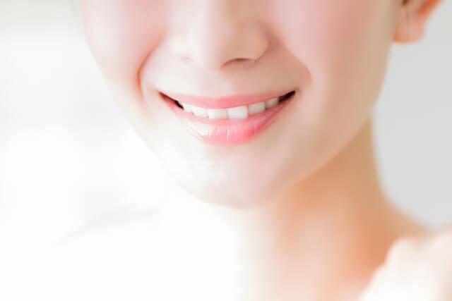 口角に関わる筋肉とは