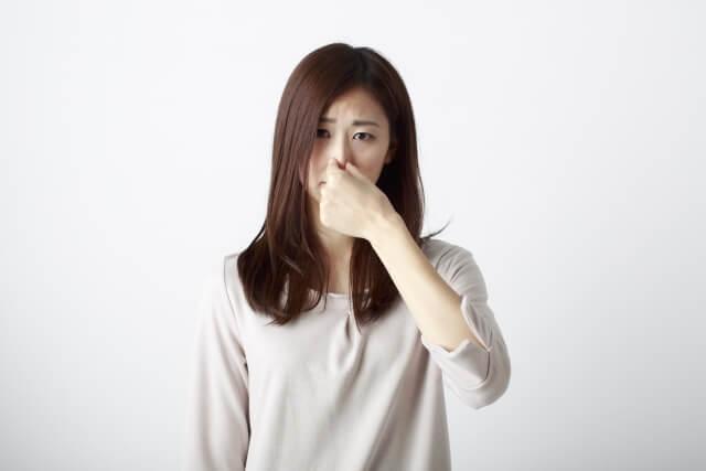 汗が体臭を発生させる原因は?