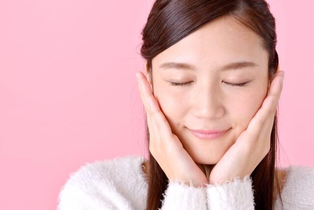 頬の毛穴の黒ずみを除去する効果的な4つの解消法とは!