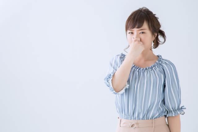 地肌の臭いの原因とは?
