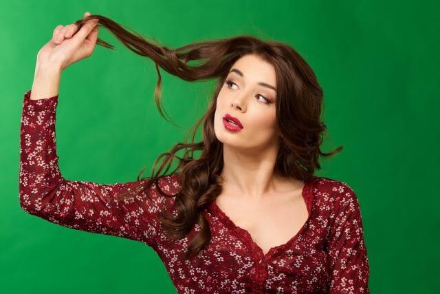 くせ毛がひどい人の4つの改善法とケアのコツとは!