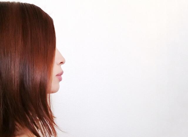 くせ毛がひどい人の4つの改善法まとめ
