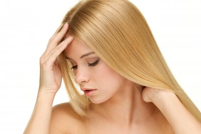 梅雨の髪の毛うねりや広がりを改善するヘアケア法