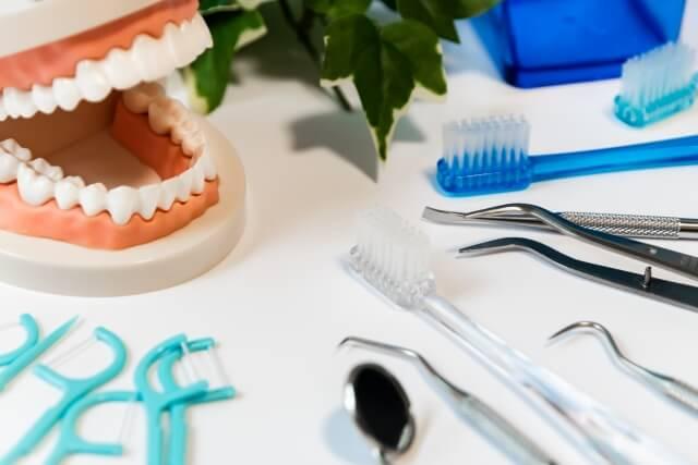 歯の黄ばみを改善するセルフケア方法