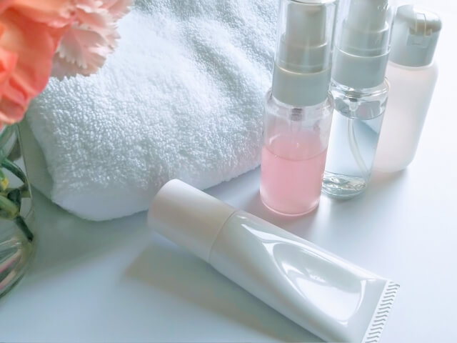 基礎化粧品の選び方と2つの注意点とは!種類や役割を解説