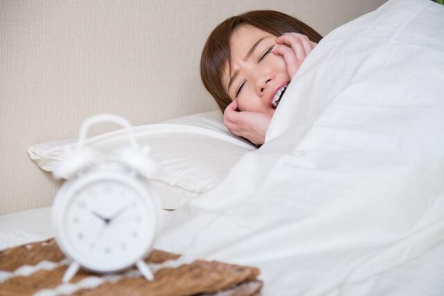 花粉症で寝れない人の原因や対策・予防法とは