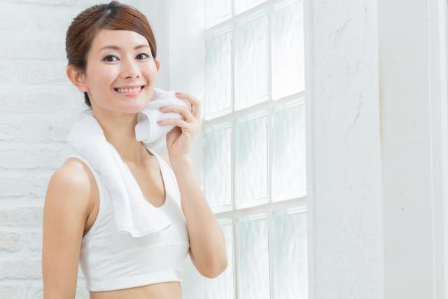 背中のあせを予防する方法