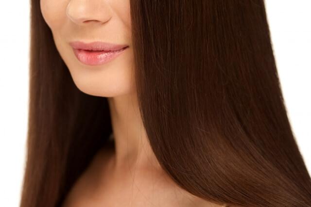 髪のパサつきをケアする6つの方法