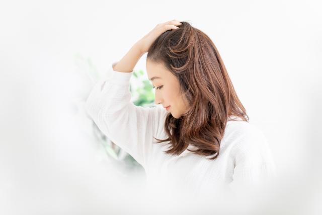 白髪改善の食べ物と栄養素4選!食事&ケアで白髪予防!