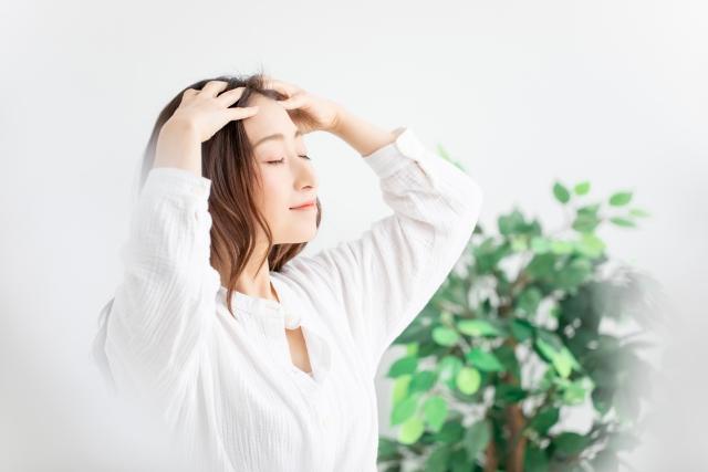 秋の抜け毛がひどい女性のための5つの対策法