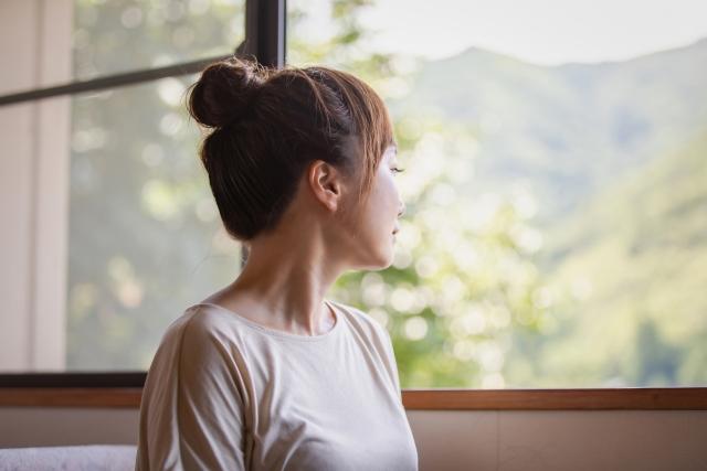 窓の外を5分間眺める